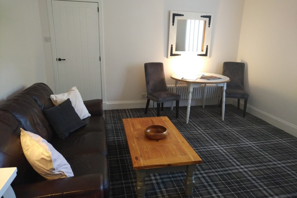 45 ALLOWAY self catering couples retreat